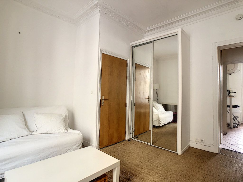 Appartement à louer 1 24m2 à Paris 14 vignette-1