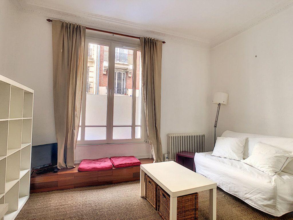 Appartement à louer 1 24m2 à Paris 14 vignette-3