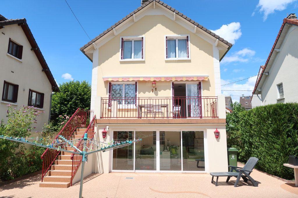 Maison à vendre 6 135.31m2 à Mitry-Mory vignette-1