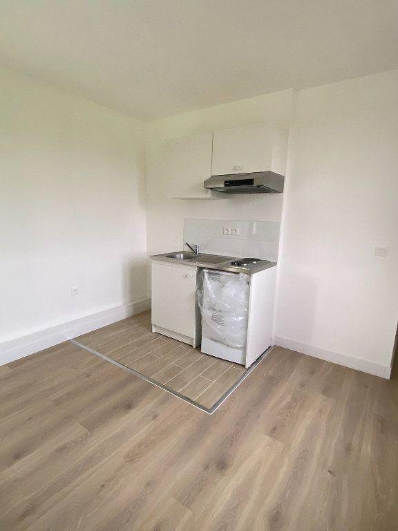 Appartement à louer 1 23.99m2 à Chaumes-en-Brie vignette-2