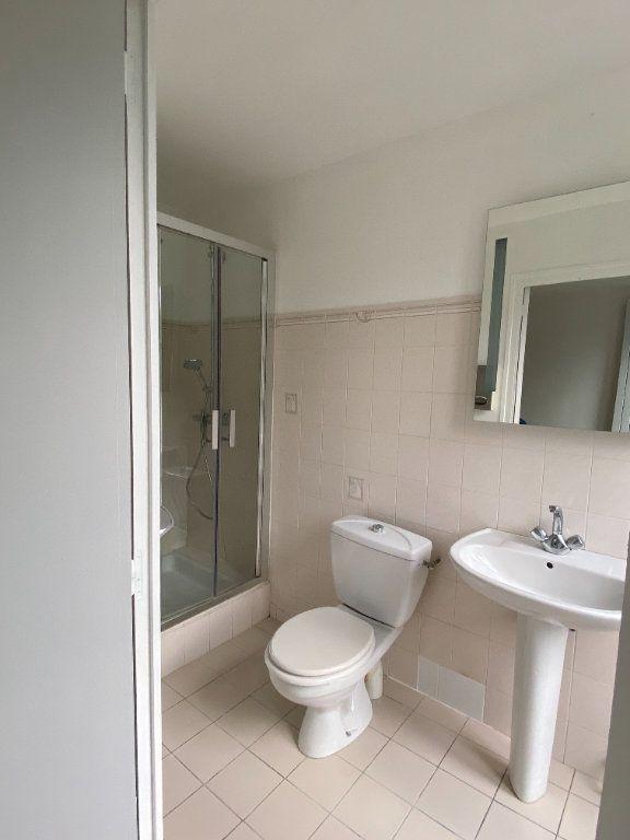 Appartement à louer 1 23.99m2 à Chaumes-en-Brie vignette-3