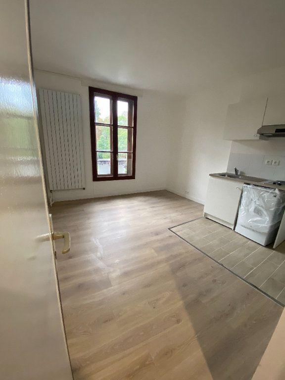 Appartement à louer 2 39m2 à Chaumes-en-Brie vignette-1