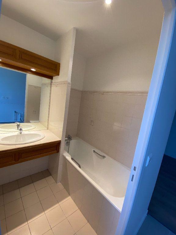 Appartement à louer 2 39m2 à Chaumes-en-Brie vignette-3