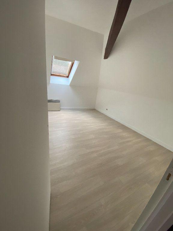 Appartement à louer 4 95m2 à Chaumes-en-Brie vignette-4