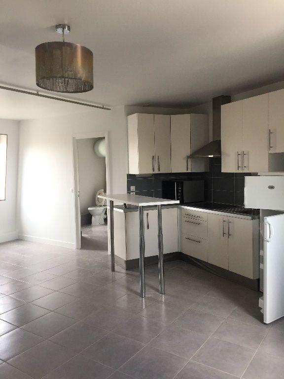 Appartement à louer 1 33.18m2 à Villeparisis vignette-1