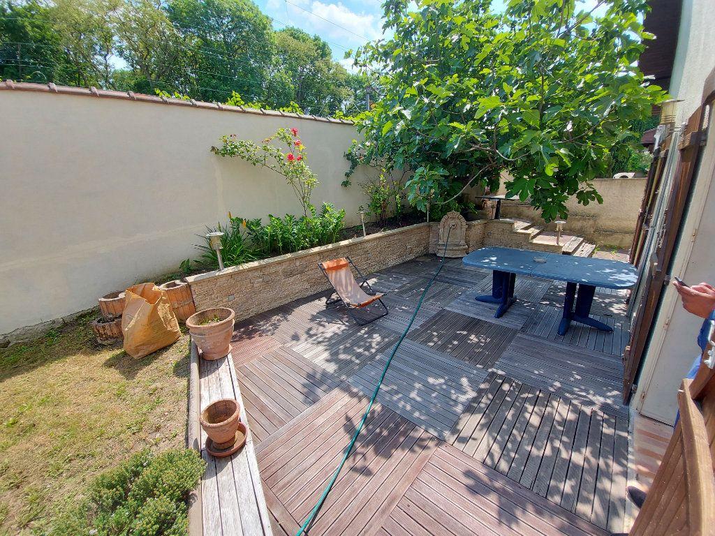 Maison à vendre 5 134.03m2 à Tremblay-en-France vignette-11