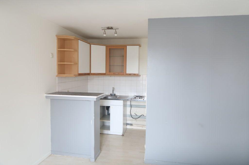 Appartement à louer 1 29.44m2 à Arras vignette-2