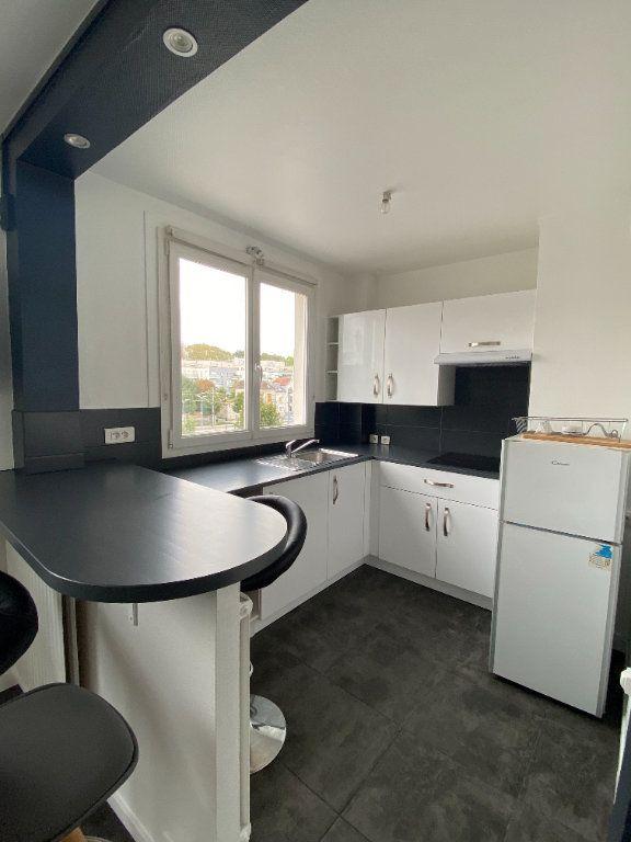 Appartement à louer 1 25.9m2 à Thorigny-sur-Marne vignette-1