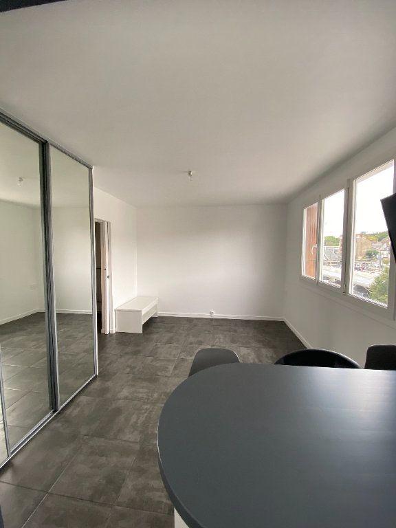 Appartement à louer 1 25.9m2 à Thorigny-sur-Marne vignette-2