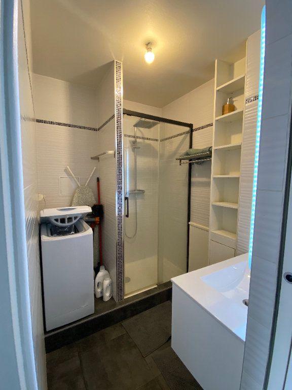 Appartement à louer 1 25.9m2 à Thorigny-sur-Marne vignette-3