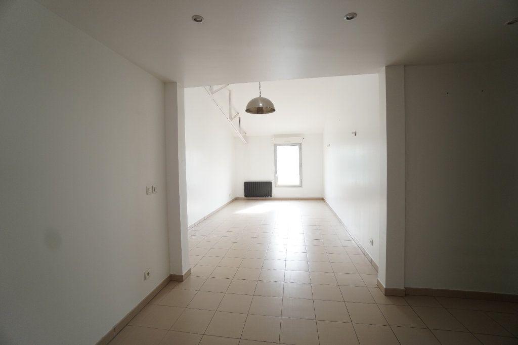 Appartement à vendre 2 67.1m2 à Mitry-Mory vignette-1