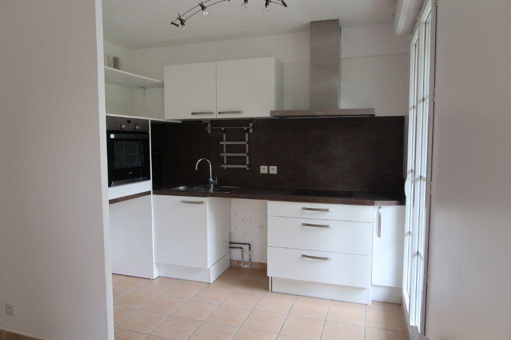 Appartement à louer 3 61.28m2 à Villeparisis vignette-1