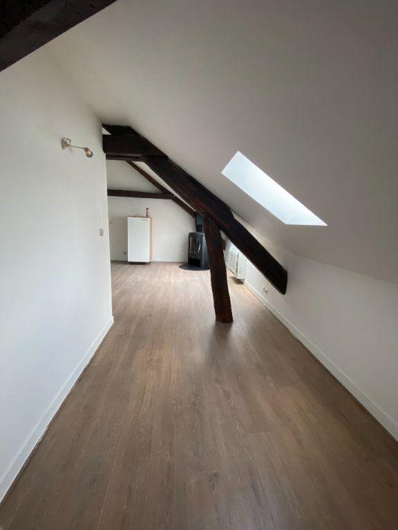 Appartement à louer 4 70m2 à Chaumes-en-Brie vignette-1