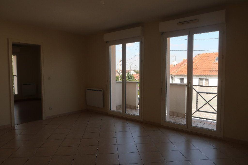 Appartement à louer 2 46.65m2 à Mitry-Mory vignette-1
