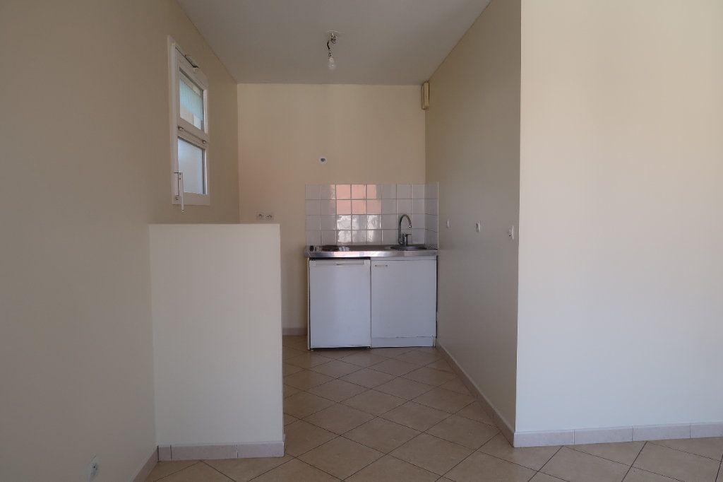 Appartement à louer 2 46.65m2 à Mitry-Mory vignette-3