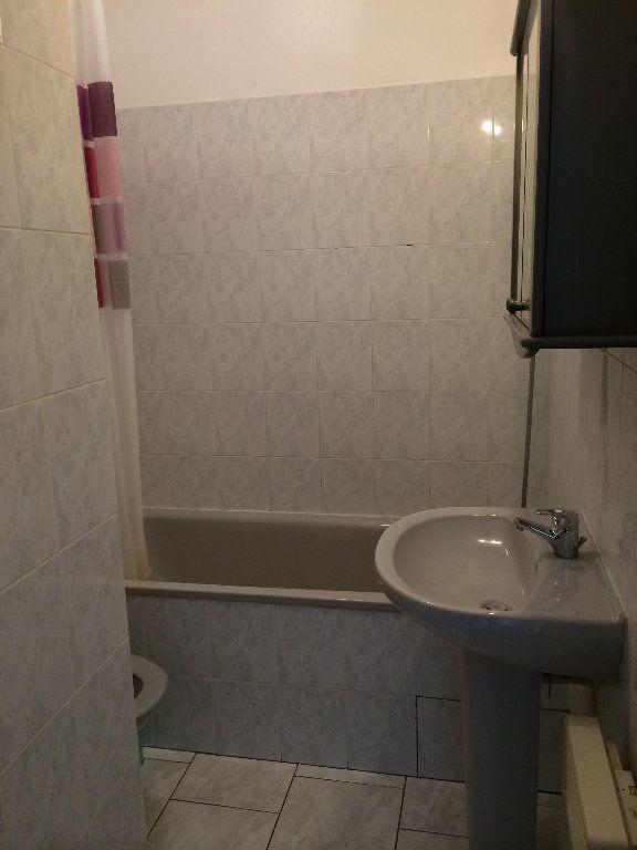 Appartement à louer 1 23.77m2 à Villeparisis vignette-3