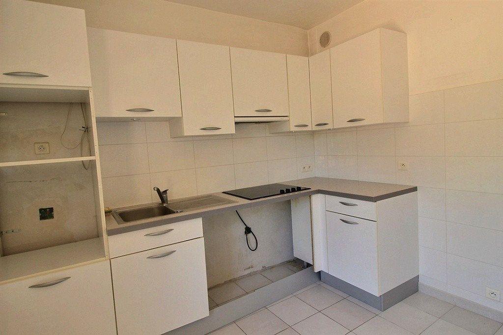 Appartement à louer 2 48m2 à Marseille 12 vignette-2