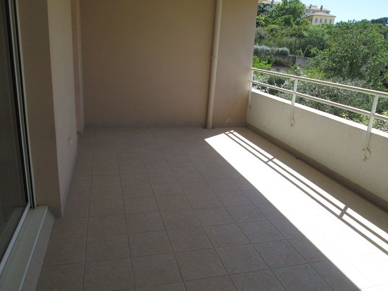 Appartement à louer 2 48m2 à Marseille 12 vignette-3