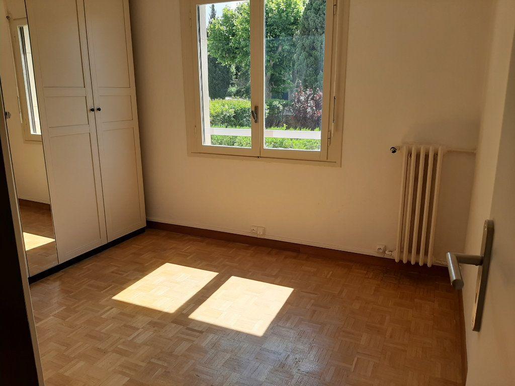 Appartement à louer 3 58m2 à Marseille 13 vignette-4