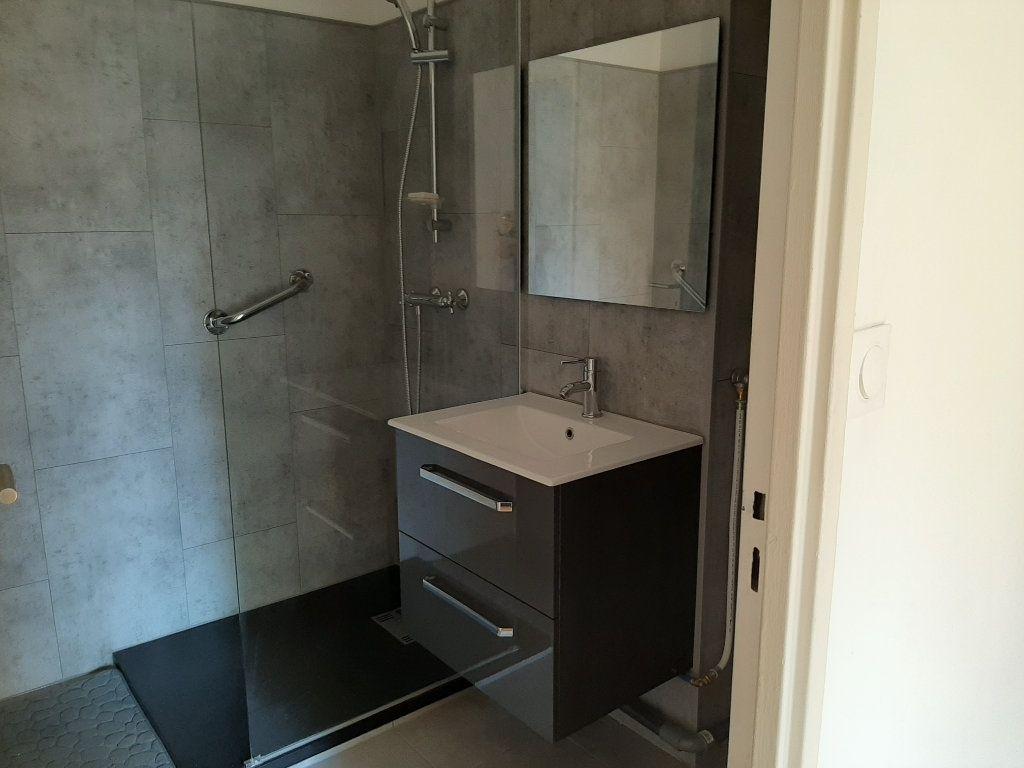 Appartement à louer 3 58m2 à Marseille 13 vignette-6