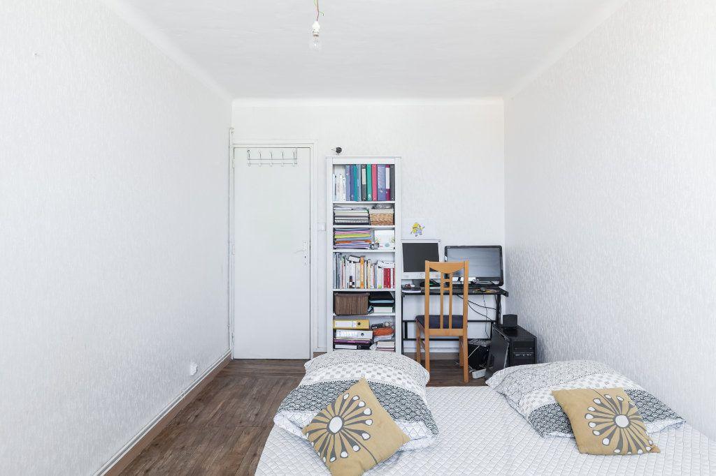 Appartement à vendre 4 68m2 à Marseille 13 vignette-11