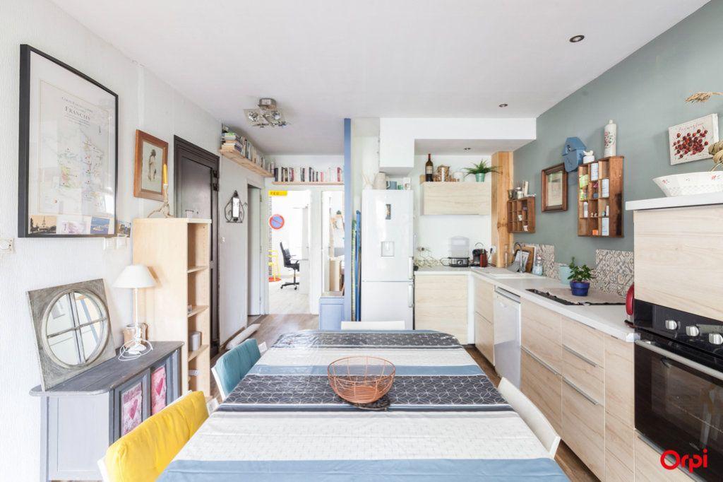 Appartement à vendre 4 84m2 à Marseille 4 vignette-5