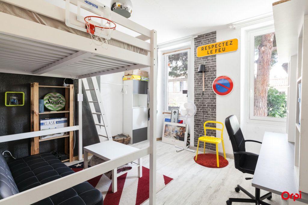 Appartement à vendre 4 84m2 à Marseille 4 vignette-12