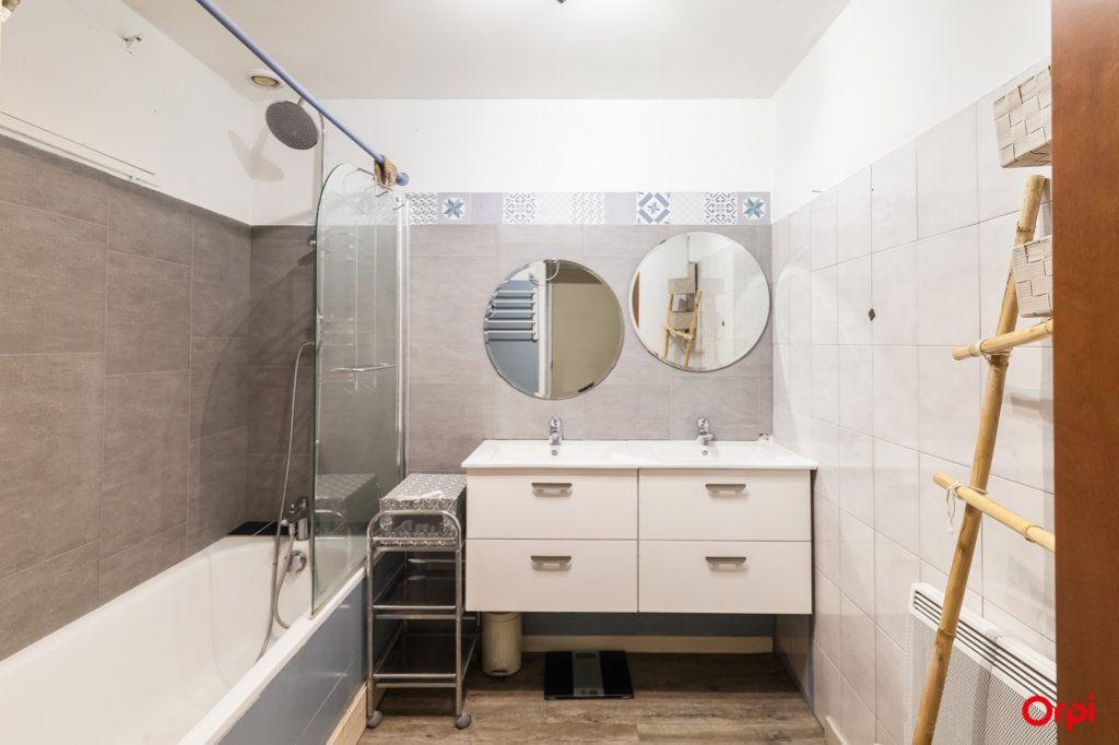 Appartement à vendre 4 84m2 à Marseille 4 vignette-16