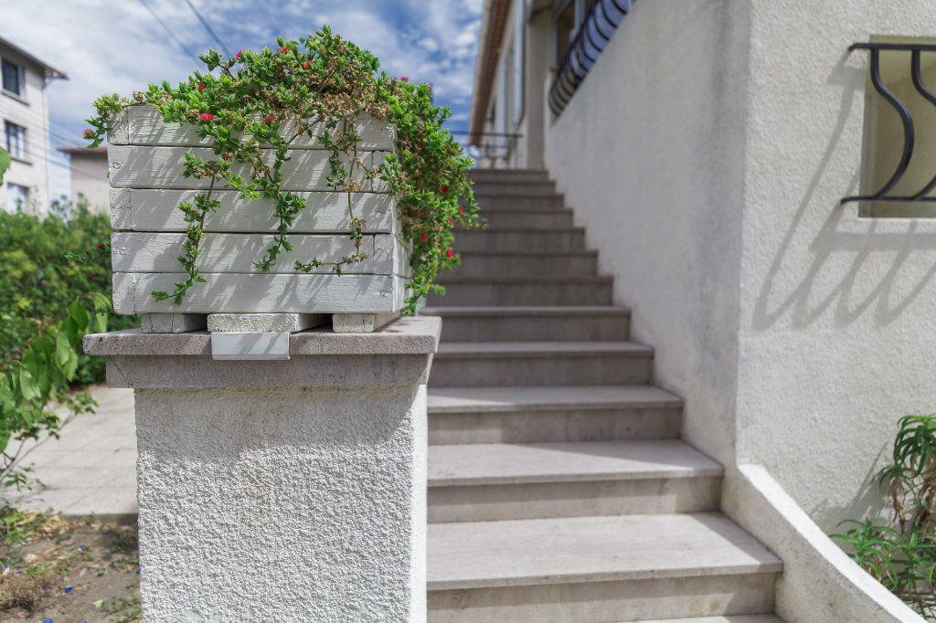 Appartement à vendre 4 93m2 à Marseille 12 vignette-1