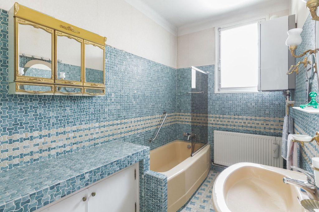 Appartement à vendre 4 93m2 à Marseille 12 vignette-4