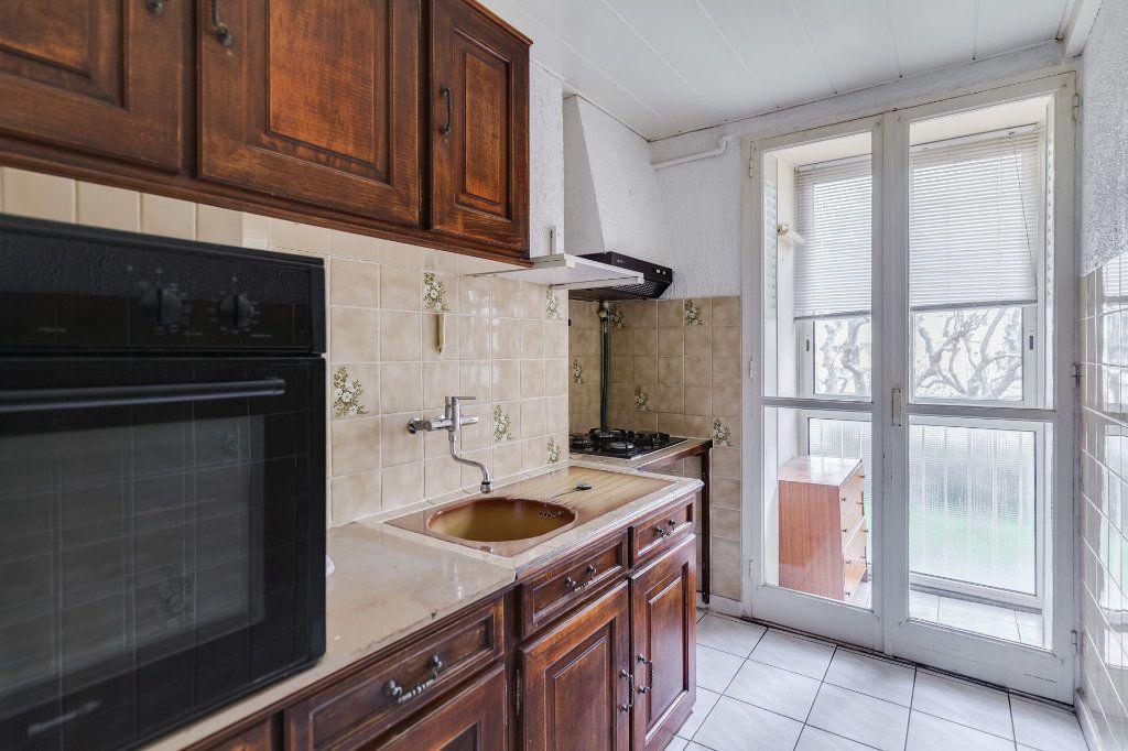Appartement à vendre 4 60m2 à Marseille 12 vignette-4