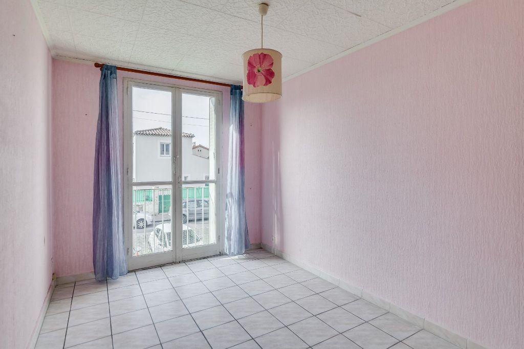 Appartement à vendre 4 60m2 à Marseille 12 vignette-9