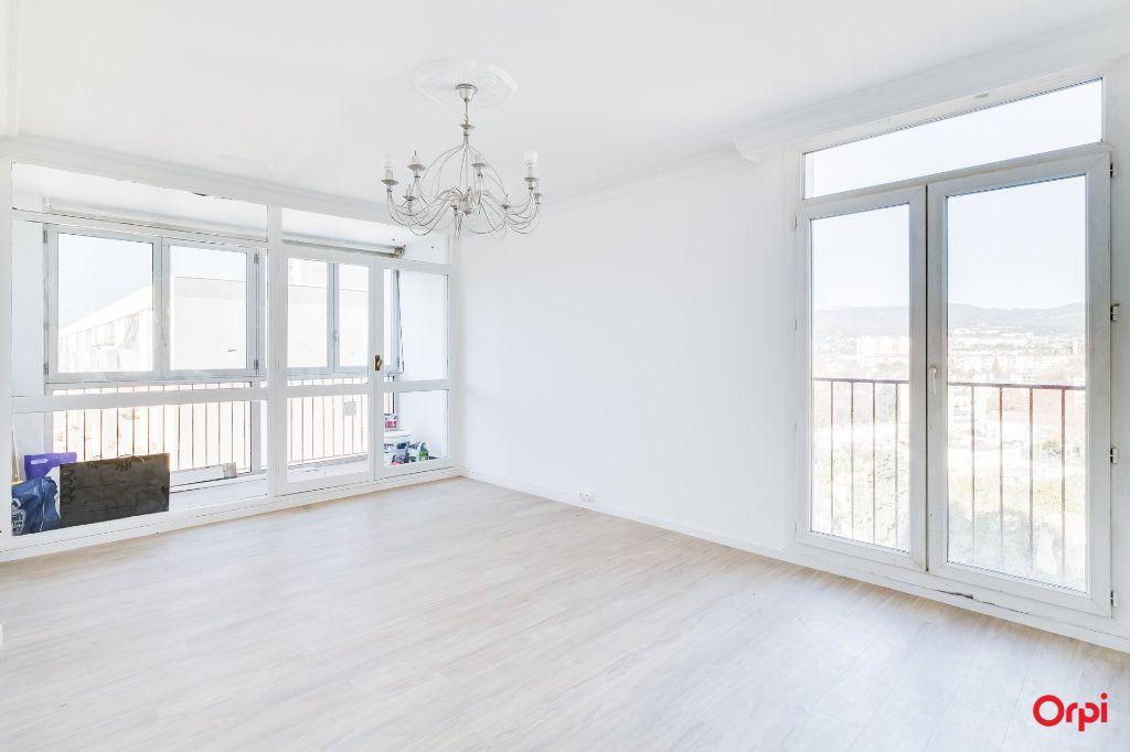 Appartement à vendre 4 77m2 à Marseille 13 vignette-2