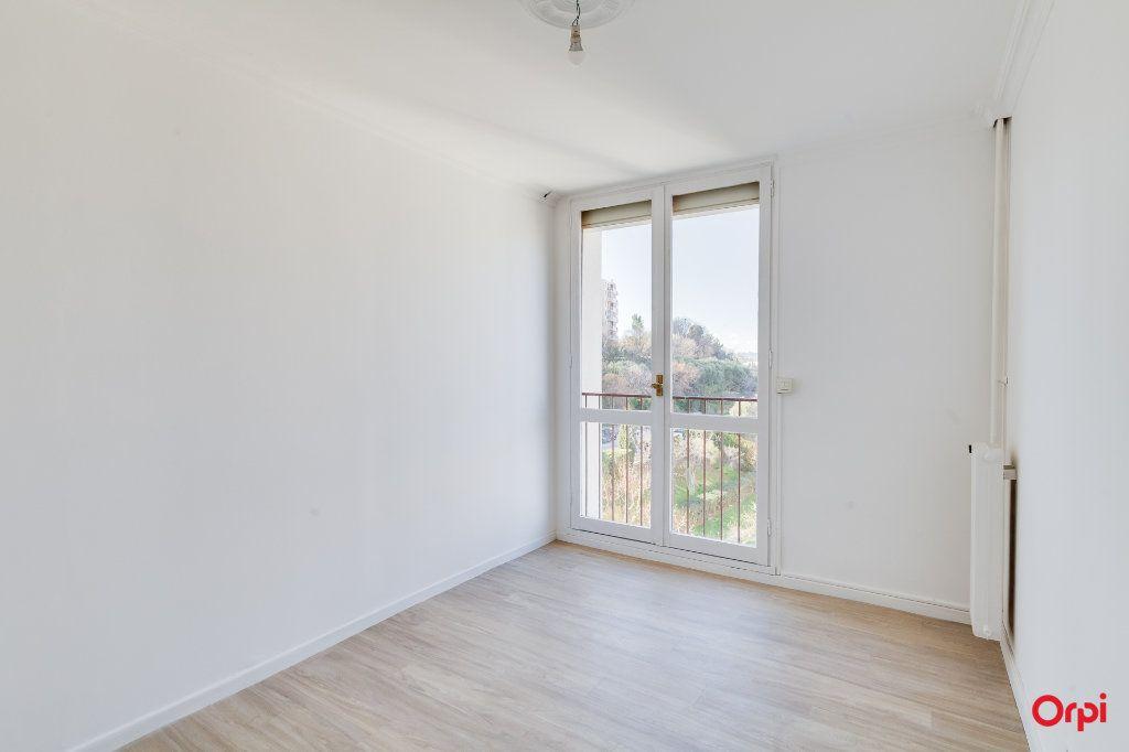 Appartement à vendre 4 77m2 à Marseille 13 vignette-3