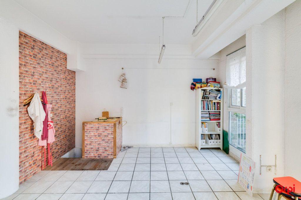 Appartement à vendre 2 69m2 à Marseille 4 vignette-3