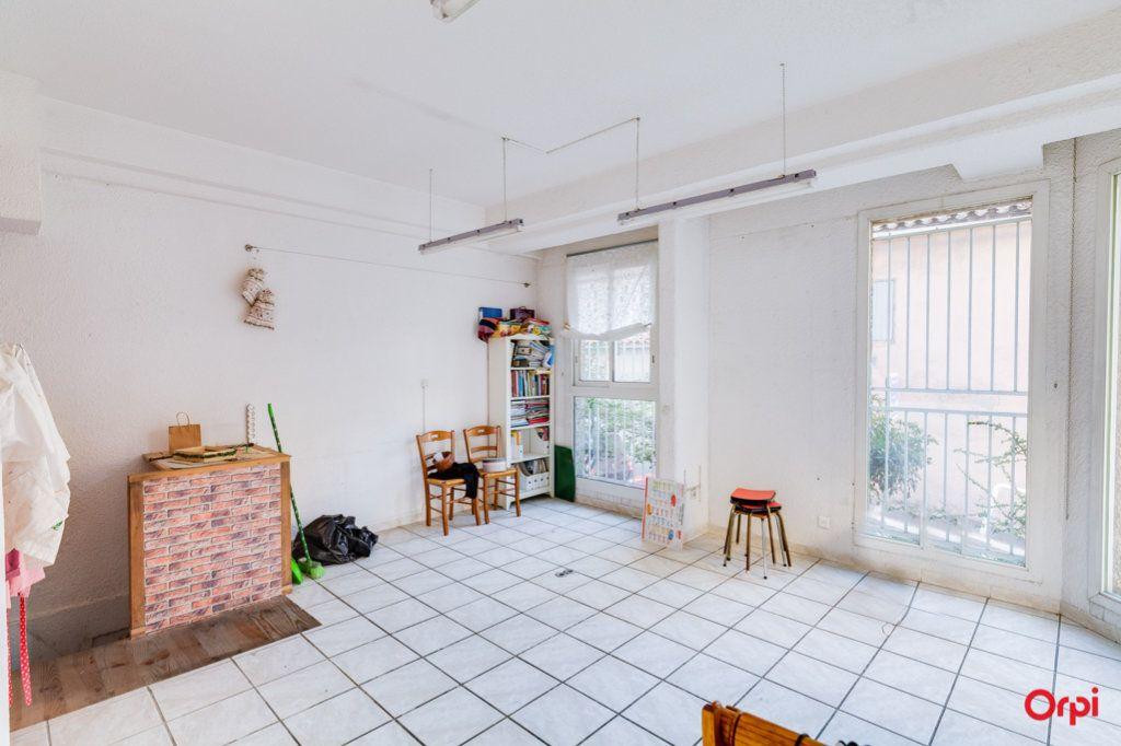 Appartement à vendre 2 69m2 à Marseille 4 vignette-5