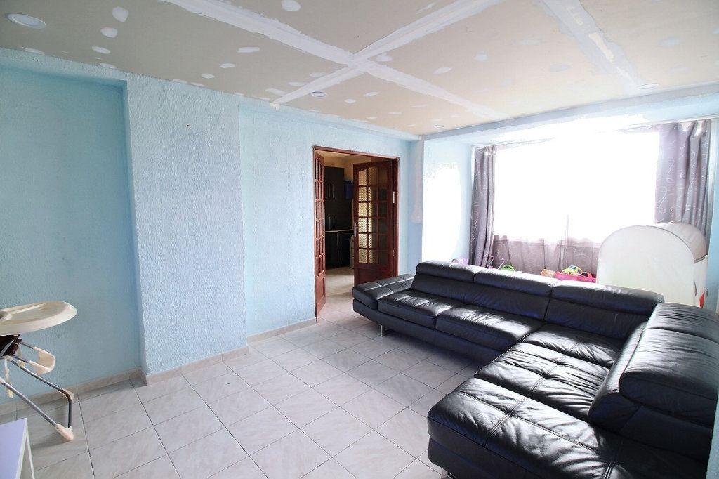 Appartement à vendre 5 93m2 à Marseille 13 vignette-1