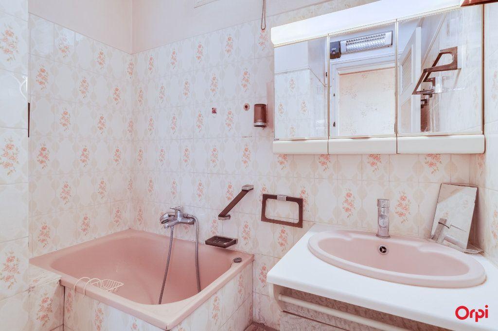 Appartement à vendre 4 65m2 à Marseille 14 vignette-9