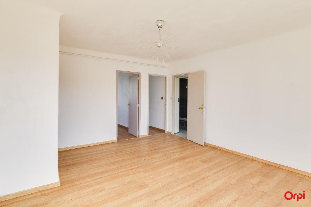 Appartement à louer 3 55m2 à Marseille 12 vignette-4