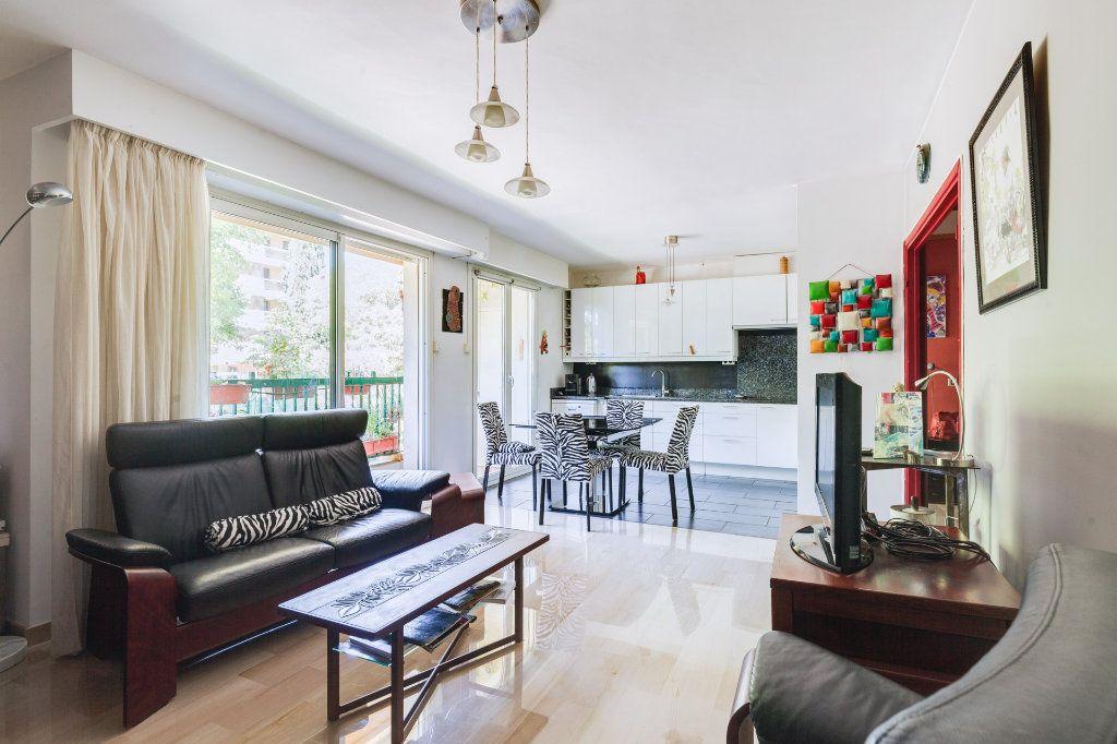Appartement à vendre 3 77m2 à Marseille 9 vignette-3