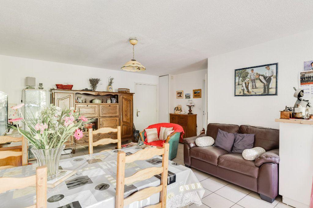Appartement à vendre 2 41m2 à Marseille 14 vignette-4