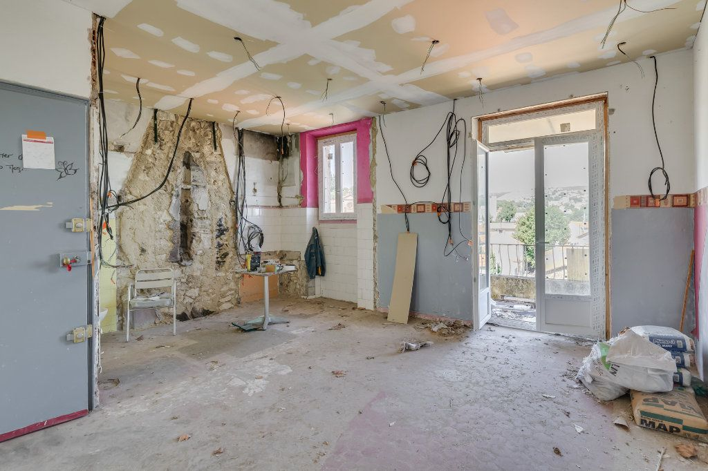 Immeuble à vendre 0 111m2 à Marseille 15 vignette-7