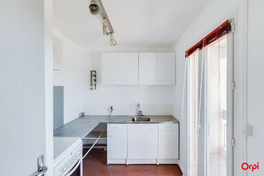 Appartement à louer 2 0m2 à Marseille 12 vignette-3