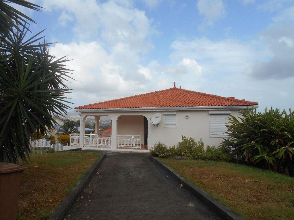 Maison à louer 4 100m2 à Rivière-Salée vignette-1