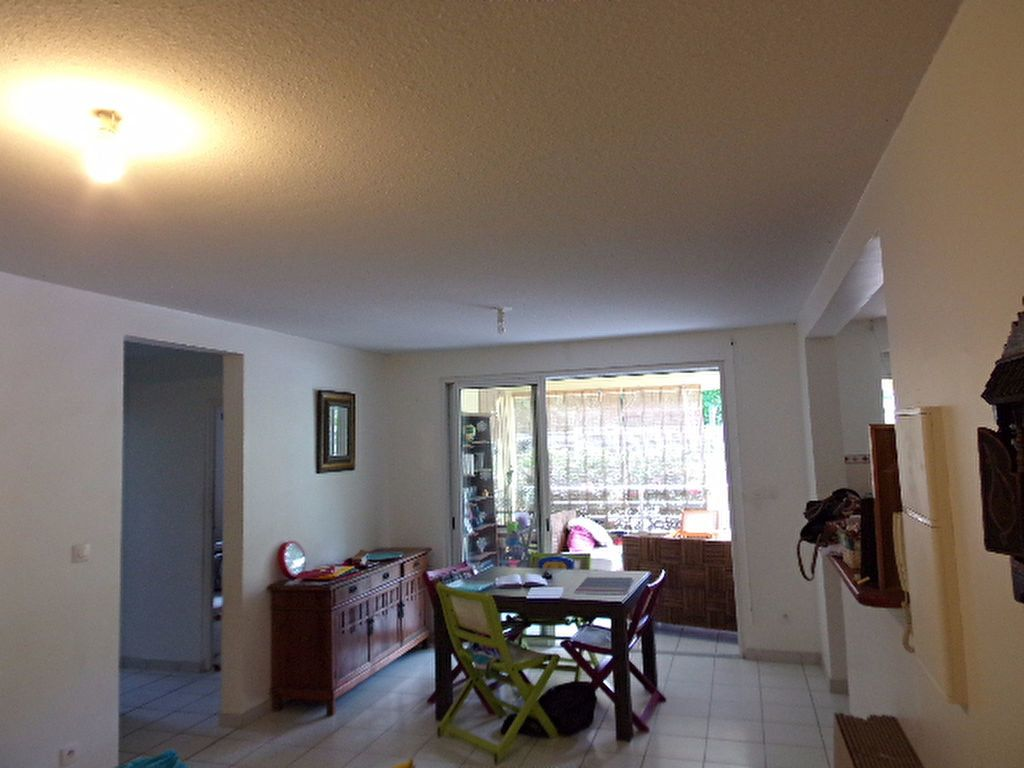 Appartement à louer 3 66.03m2 à Les Trois-Îlets vignette-3
