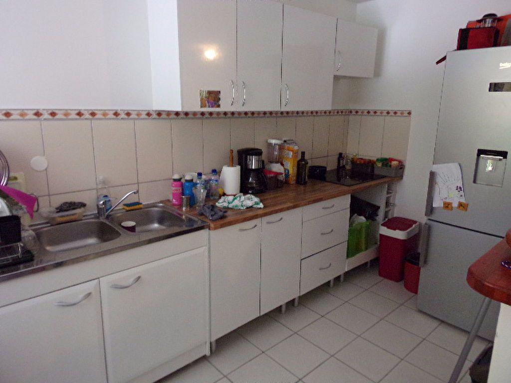Appartement à louer 3 66.03m2 à Les Trois-Îlets vignette-4