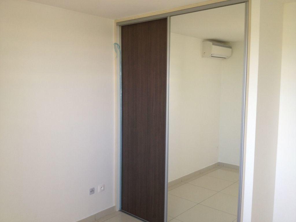 Appartement à louer 3 65.49m2 à Fort-de-France vignette-4