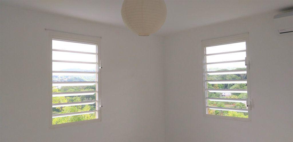 Appartement à louer 3 65.45m2 à Fort-de-France vignette-4