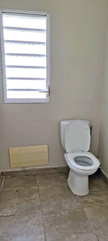 Appartement à louer 4 81.35m2 à Fort-de-France vignette-11