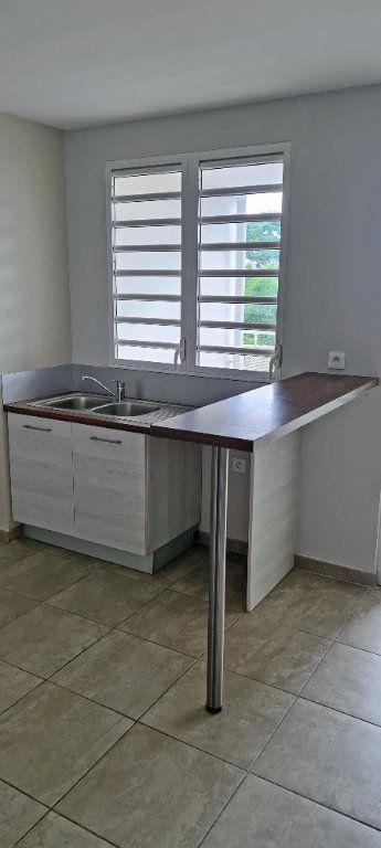 Appartement à louer 4 80.86m2 à Fort-de-France vignette-6
